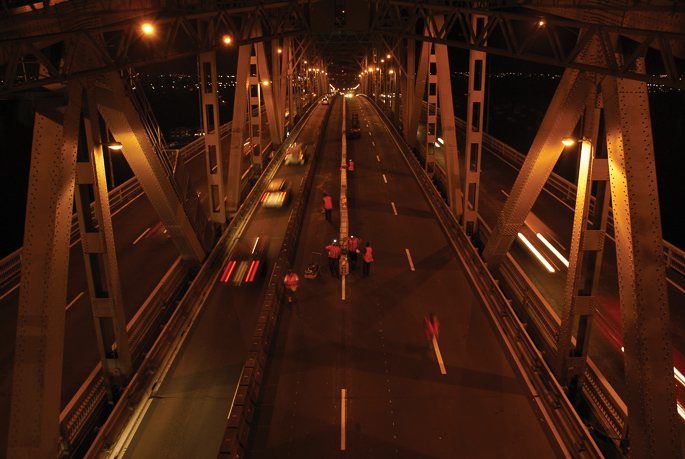 Auckland Harbour Bridge Moveable Lane Barrier